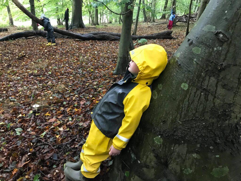 Skovbad med børn